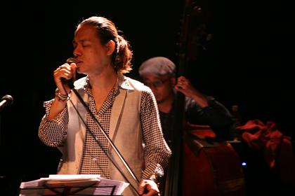 2013-10-sakuraza02