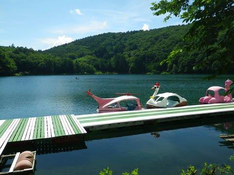 全国的にも珍しい山上湖
